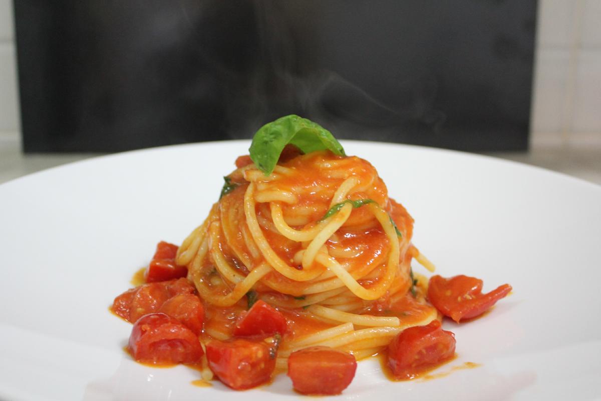 Il ristorante hotel lungomare andora for Piatti ristorante